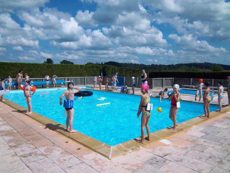 Image d une piscine les piscines piscines en bois sont for Piscine lormont